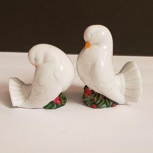 Vintage avon salt and pepper dove shakers